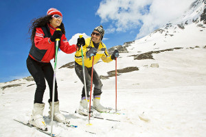 Enjoy a skiing session with your spouse in Shimla