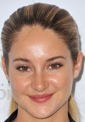 Hollywood actress Shailene Woodley, too, seems to have an oily T-zone