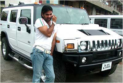 Sunil Shetty and his car