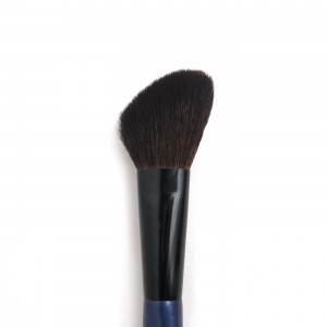 Angled blush on brush