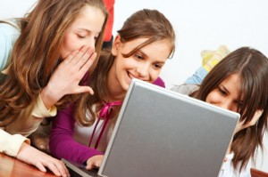 Teenagers are exposed to danger on the internet