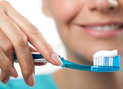 Teeth-whitening toothpastes work only for a short period of time