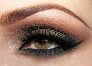 Here's the final look of the sexy one-minute smokey eye by Marlena