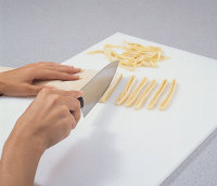 Pasta dough cutting