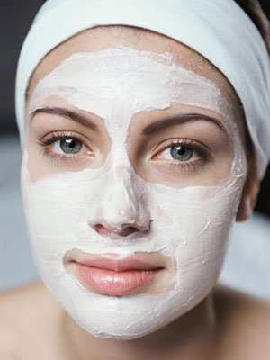 Leaving a face mask on for too long results in dry skin prone to wrinkles