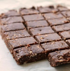 Healthy no-bake snack bars