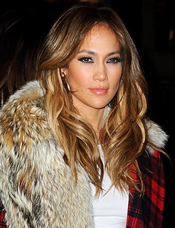 J-Lo's dip dyed curls are absolute perfection!