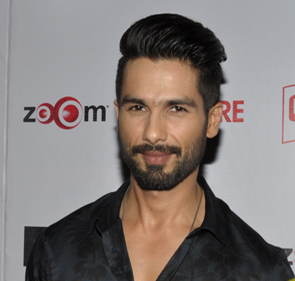 We like the pompadour look that shahid carried off with ease
