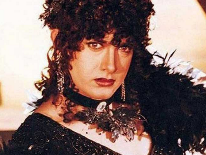 Aamir as a seductress in 'Baazi'