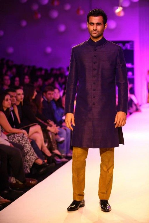 This Kurta-Pajama by Manish Malhotra is perfect for any groom