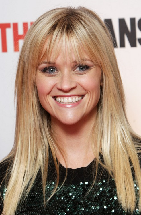 Get wispy bangs like Reese Witherspoon to make your heart-shaped face look thin!