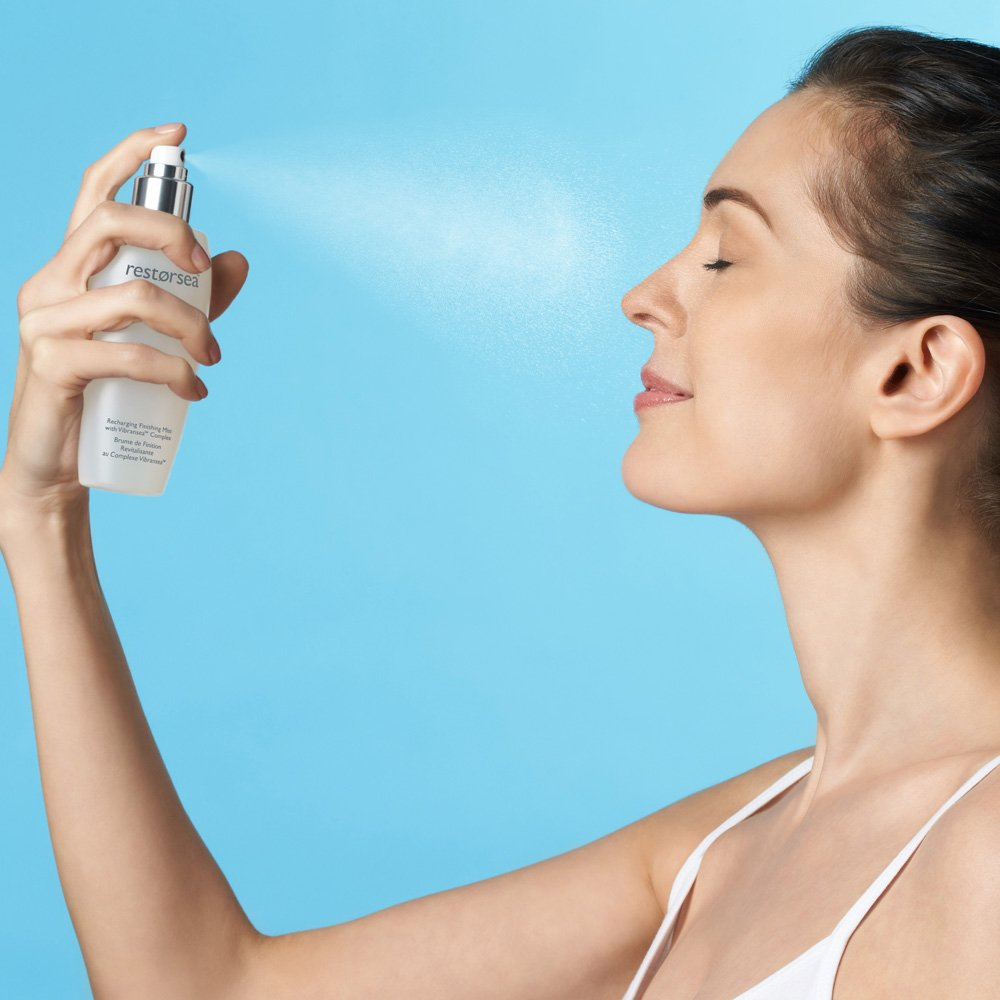 Spraying face mist keeps your skin well hydrated at all times