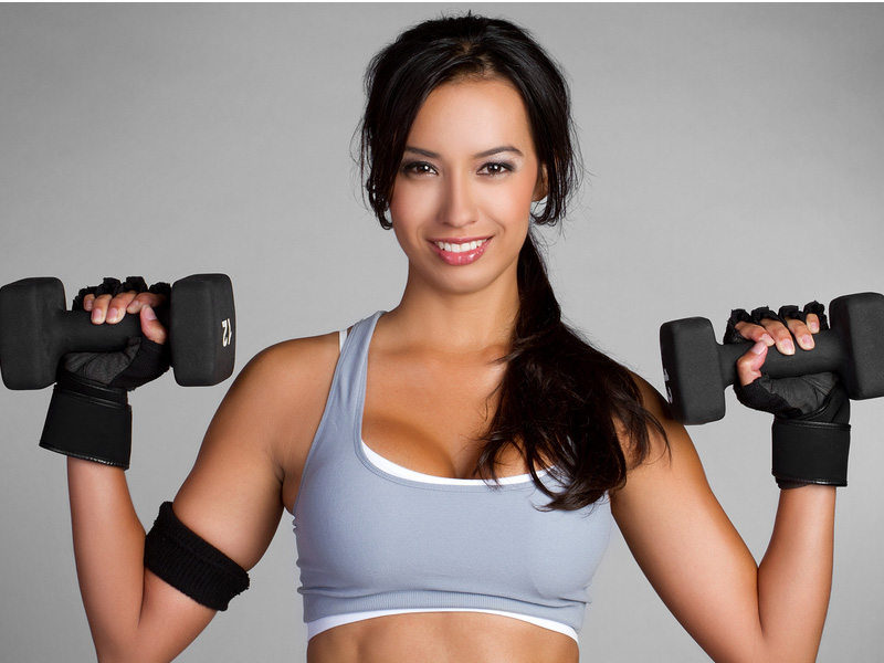 Lifting heavier weights helps burn more calories