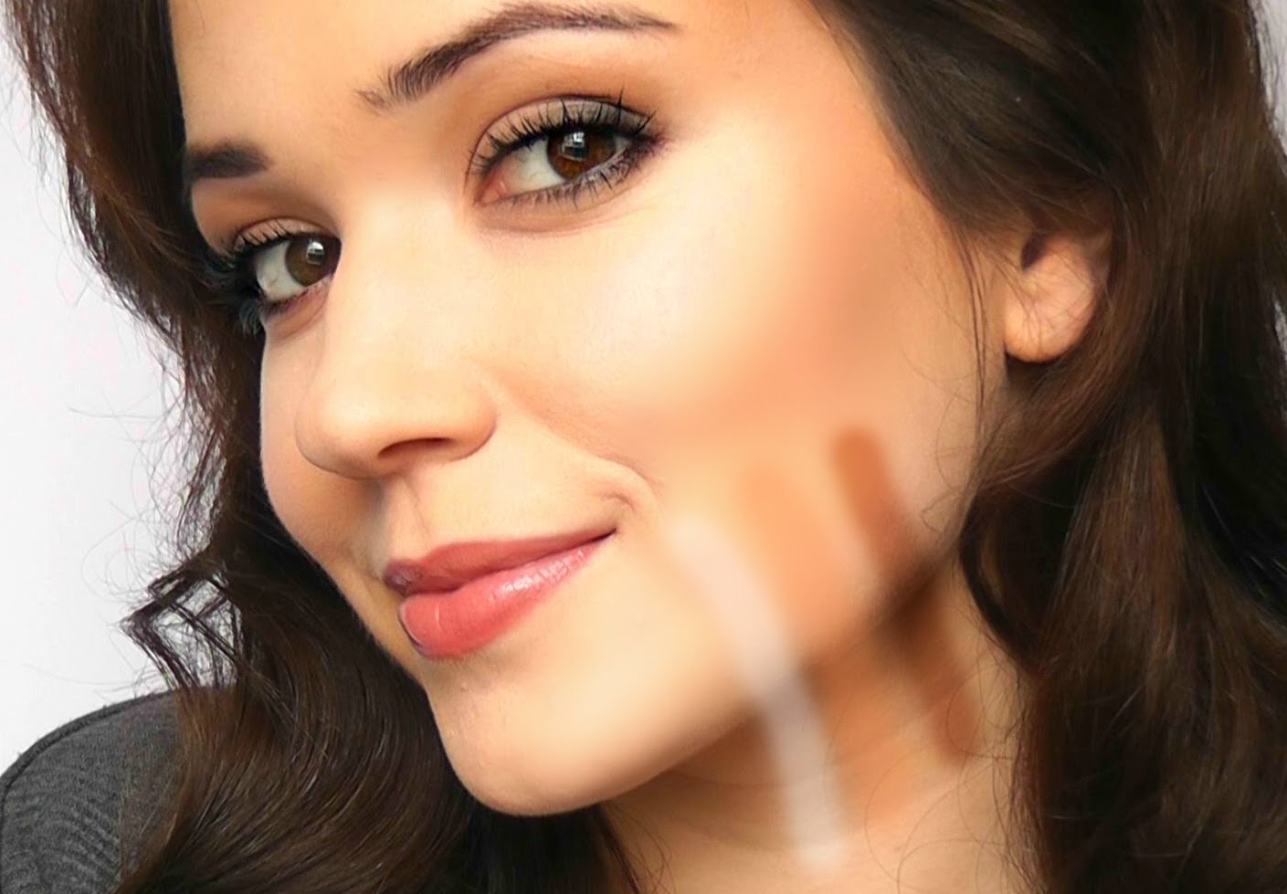 6 Signs That Youre Wearing The Wrong Shade Of Foundation The