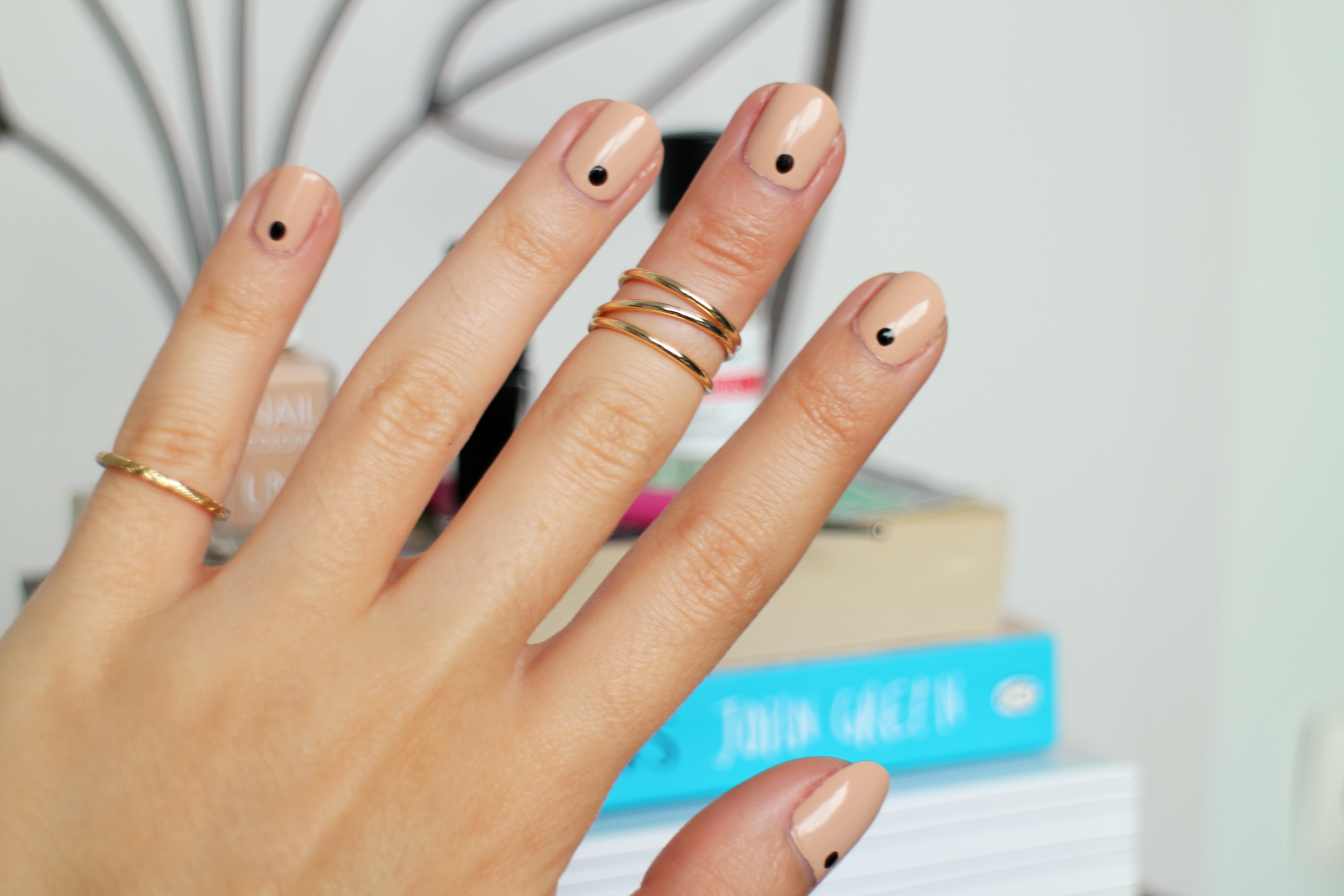 Minimalistic Nail Art Is The New In Thing The Brunette Diaries