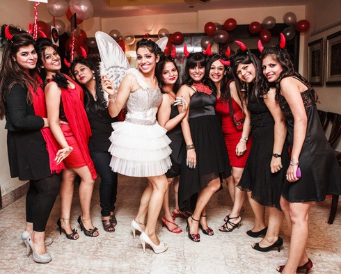 Take some inspiration and rock the devil-&-angel themed spinster party, just like this one
