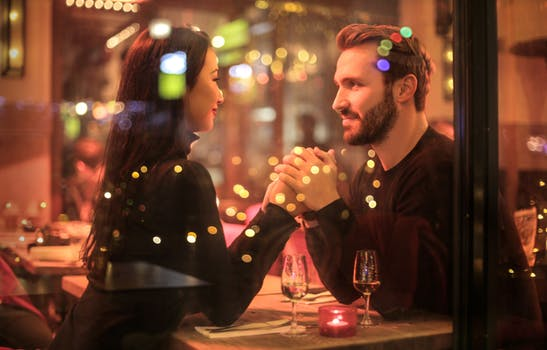 Do's And Don'ts For A Tinder Date