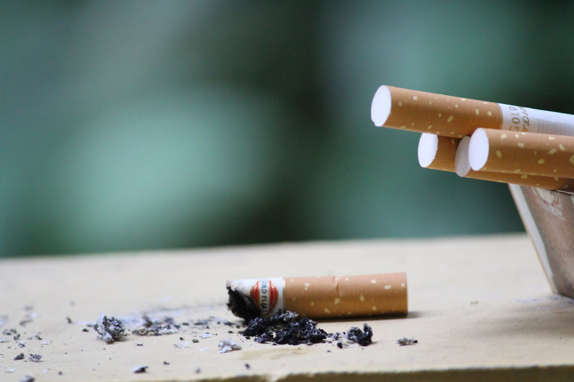 Here's How You Can Help Your Friend Quit Smoking